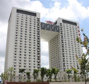 振华企业广场,面积70-2000�O,租金3.8-4.5元