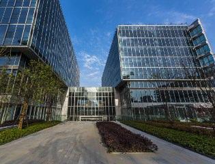 虹桥商务区,地铁2、10、17号线,虹桥富力中心,200-10000不同面积
